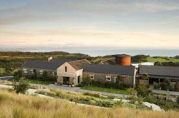 CapeKidnappersLodge-front-view