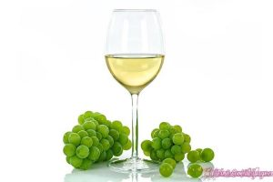 chardonnay-white-wine-grapes