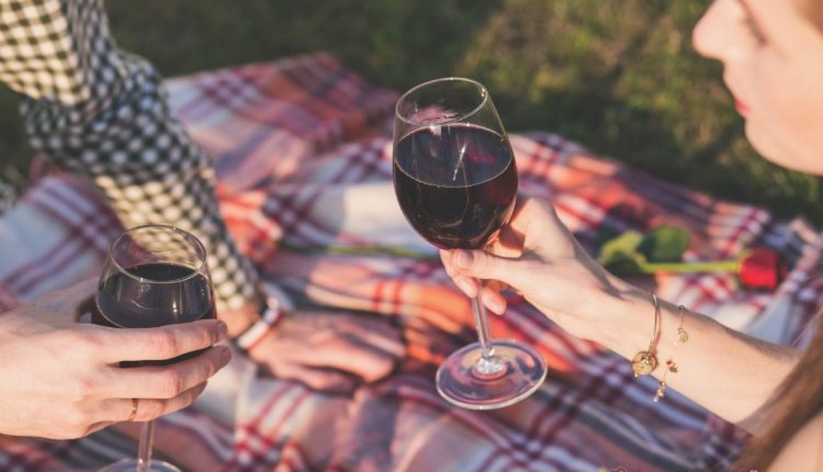 Top 4 Red Wine Varieties for Summer Sipping and a picnic.