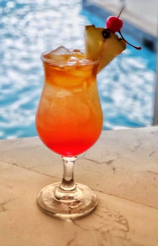Rum, rum, rum siwzzle in Negril, Jamaica Photo: Hedonism II